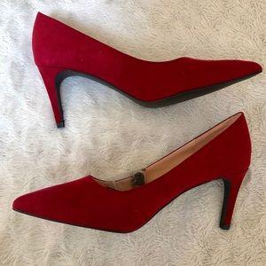 [NWT] Zara Suede burgundy heel pumps(eur39 : us8)
